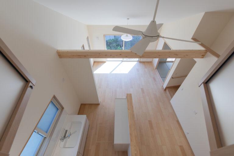 香取市の勾配天井のある家